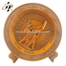 Amostra grátis personalizado metal logotipo arte latão gravado vitória dia retorno presentes lembrança placa