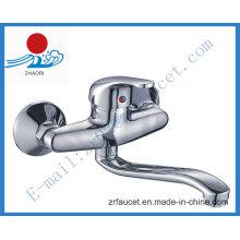 Latón de cuerpo montado en la pared grifo del fregadero de la cocina (zr20603)