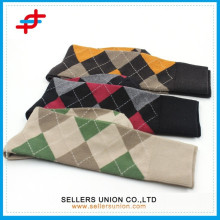 2015 kundenspezifische Art und Weise strickte Baumwollstrümpfe für Großverkauf