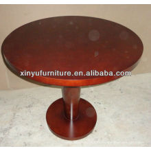 Table basse basse en bois soyeuse de couleur marron C1037