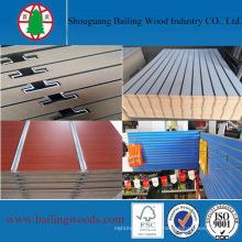 China Factory1220 * 2440mm Slatwall Board avec 11 rainures