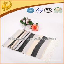 Heißer verkaufender klassischer eleganter Normallack-Viskose-Fransen-Rayon-Schal mit verschiedenen Farben vorhanden