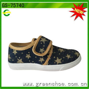 2016 New Style Popular Cheap Canvas Upper with PVC Shoe Sole