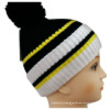 Knitted Beanie with POM POM NTD1621