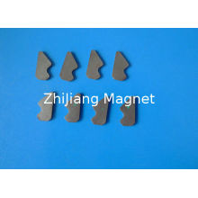 Oem Sintered Ferrite Magnet , Irregular Strong Magnet For Hooks