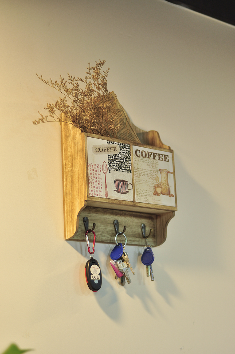 Home Organizer Letterbox in Wooden