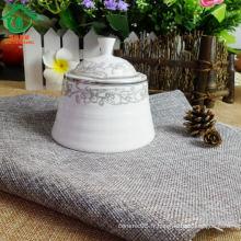 Pot de pot céramique avec vitrage et décalque