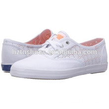 China Factory White Canvas Shoes Wholesale for Women