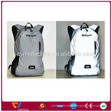 Sac à dos léger imperméable à l'eau de sac à dos de basket-ball réfléchissant le sac à dos avec le sac de casque
