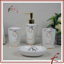 elegant bathroom accessory set