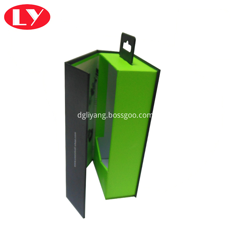 Hanger Box2