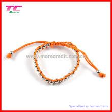 Популярный ручной браслет с металлическими бусинами