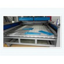 Machine de découpe et de gravure laser de vente chaude pour le tissu