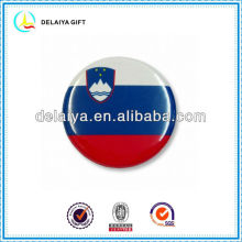 The Slovenia flag tin badges