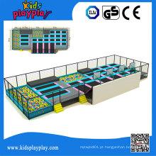 Parque interno grande personalizado do trampolim do tirante com mola do tamanho de Kidsplayplay comercial
