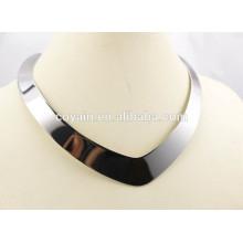 Brillante plata de acero inoxidable 316L Punk corazón torques collar para las mujeres
