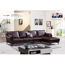 Simple Italy diseña un sofá de cuero en forma de L