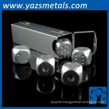 Professional custom fashion engraved inflatable dice toy