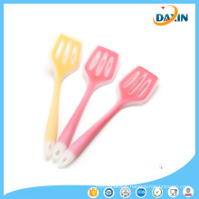 Wholesale Kitchen Utensils BPA Free Durable Transparent Silicone Slotted Turner