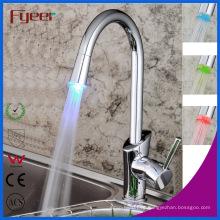 Faucet da cozinha do punho do punho único de Fyeer com luz do diodo emissor de luz (QH1771F)