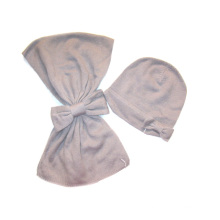 Cashmere malha lenço e chapéu com grande arco conjunto