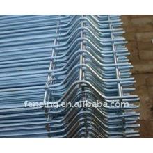 Usine de clôture de treillis métallique soudée par PVC