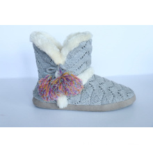 Women′s Kint Boots with Yarn Pompoms