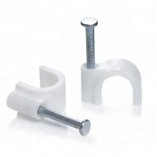 Clip de cable con clavo de acero