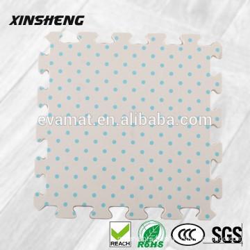Disposable waterproof anti-slip bath mat
