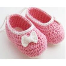 Späteste Babyhäkelarbeit handgemachte Bowknothefterzufuhrschuhe besonders angefertigt