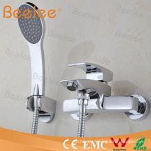 dans le robinet de douche de Bath de levier unique monté par mur avec le tuyau et le combiné