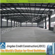 Taller de estructura de acero ligero con grúa