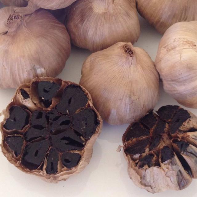 whole black garlic (50)