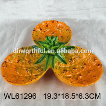 2016 hot selling ceramic plate for candy in pineapple shape