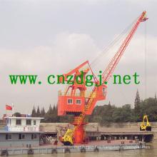 Flotante de la grúa trabaja con gancho agarrador para el manejo de materiales a granel