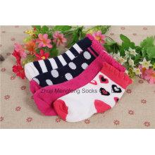 Носки младенца хлопка горячего надувательства хорошего качества носки младенца носок младенца чулка