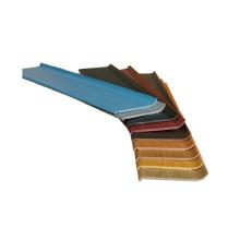 Plinthes de PVC de résistance à l'eau de 100 millimètres embarque des protecteurs faisants le coin