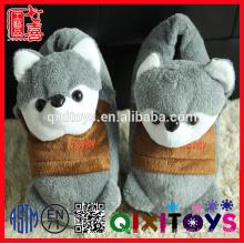 Fábrica de Yangzhou recheado de animais de pelúcia chinelos em forma de animais adultos chinelo brinquedos