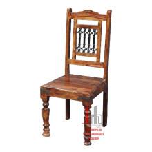 Cadeira de jantar com design de ferro