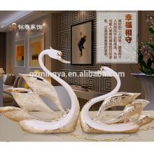 Figurine decorativo decorativo das artes da resina do cisne para a decoração doméstica Figurine animal de Polyresin