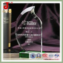 Trofeo de premio de cristal verde en blanco con base verde para grabado de nombres