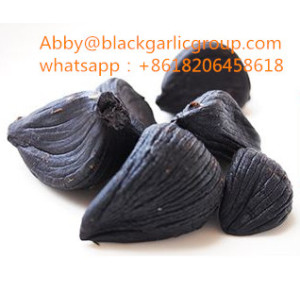 Peeled multi disc black garlic