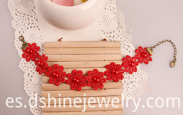 Red Daisy Lace Accessories