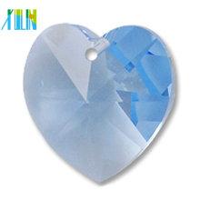 Perlas colgantes cristalinas multicolores de la forma del corazón, tamaño flojo pendiente cristalino del cristal del corazón del melocotón 14m m ventas a granel