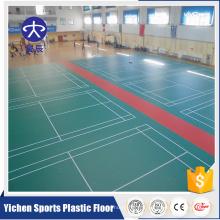 Terrain de sport intérieur terrain de badminton