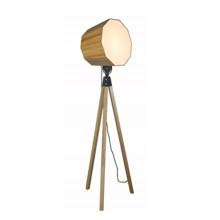 Home Einfache Design Holz Stehleuchten (F2005)