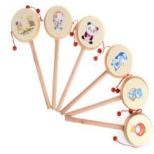 Малая деревянная игрушка бас-барабана