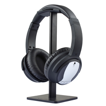 Active noise canceling headphones