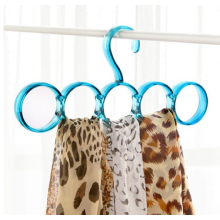 Colorful Plastic Circles Hanger for Clothes and Scarf