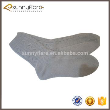 Patrón de punto de cable 100% calcetines de cachemira